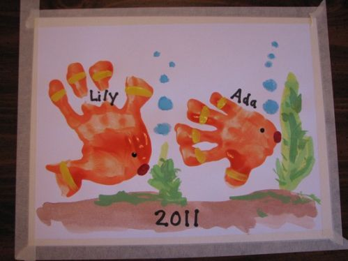Fish handprints: this will be an awesome activity to do with both boys this month during our ocean unit study.