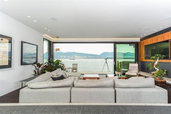 Inside an $11 million Point Grey posh pied-à-terre