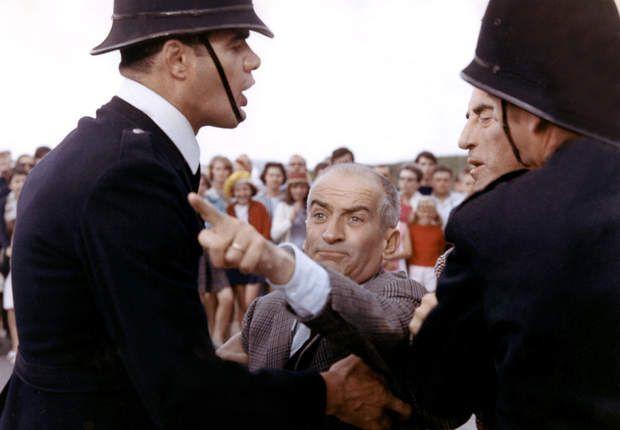 Les Grandes Vacances de Jean Girault (1967). Avec Ferdy Mayne (derrière le policier de droite)
