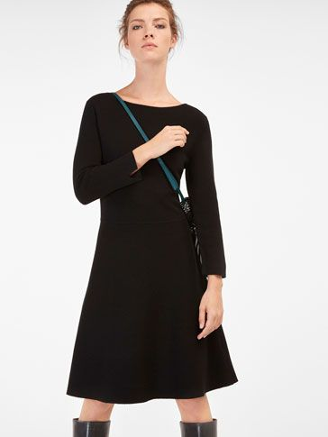 I 2016 WOMEN´s KNIT A-LINE DRESS at Massimo Dutti for 120. Effortless elegance!