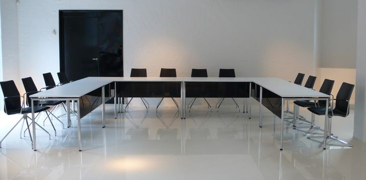 Four®Learning - By Four Design - Four®Learning is your evident choice for a foldable table in a functional and aesthetic design.
