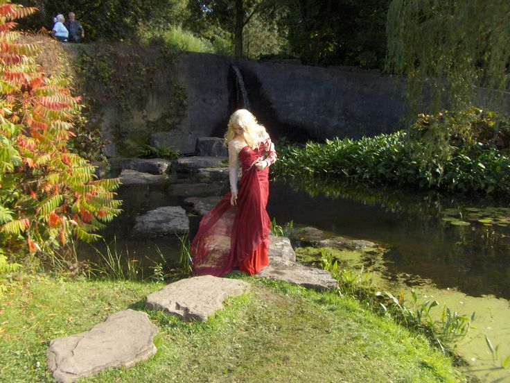 At Elfia Arcen. Costume by Edgy Elegance, Inspired by the Merlin character Morgause. The beautiful lace on the dress and bolero are hand embroidered and has sparkly stones in amber, dark reds and multi-colours.