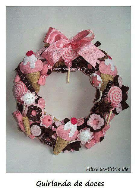 That wreath is mmm mmm good!