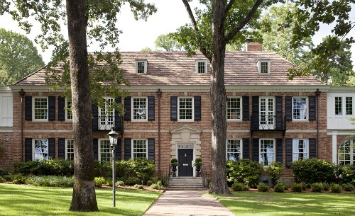 Brick house with black shutters georgian architecture new england brick home black shutters - Red brick house black shutters ...
