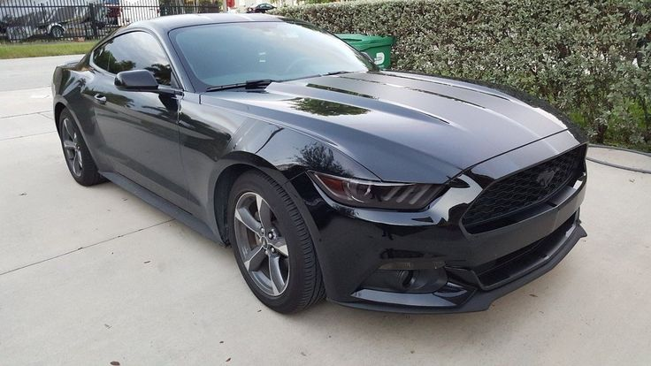 Car brand auctioned: Ford Mustang 2015 mustang v 6