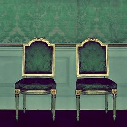 Beautiful damask wallpaper or is it fabric? Can't seem to find origin of this pic.