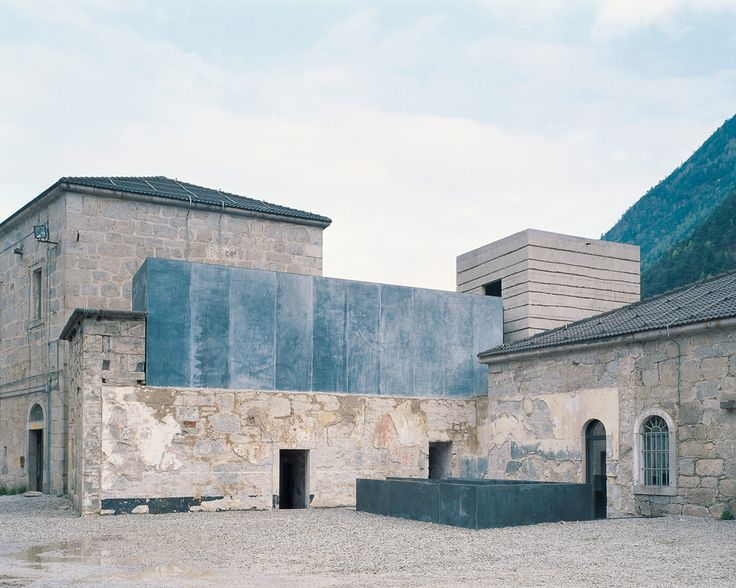 Fortress of Fortezza / Markus Scherer with Walter Dietl - galvanized, patinated steel
