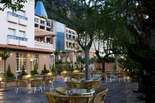 Colectivia   Hotel Spa Balneario Arnedillo - 1 o 2 noches en pensión completa+circuito termal, Balneario Arnedillo