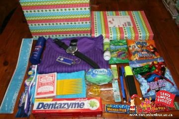 Santa Shoebox: Well packed box!