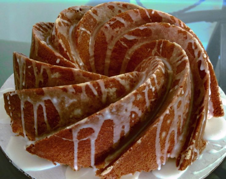 SoulfoodQueen.net: 7-UP Cake Or Pound Cake