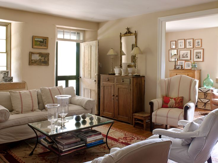 Cottage Style Family Room Ideas Part - 47: Front Door Entry Into Living Room Well Done