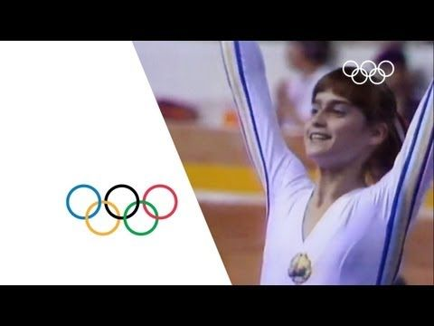 Nadia Comaneci - First Perfect Score | Montreal 1976 Olympics - YouTube