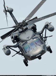 Sikorsky (Korean Air) HH-60P Black Hawk (S-70A-18). Es un helicóptero, pero ¿verdad que no hay inconveniente? Está hermoso.