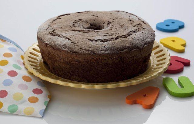 Foto:Acervo Mágico A seguir, a nutricionista Ana Carolina Bragança ensina a receita de um bolo de chocolate funcional. NÃO PERCA! Conheça os tipos de chocolate e descubra a opção mais saudável par...