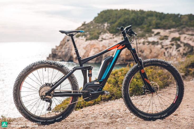 Top 10 The Best E-MTBs of 2016 : CUBE STEREO HYBRID 140 HPA 500 27.5+ | 22,5 kg | 4.800 €