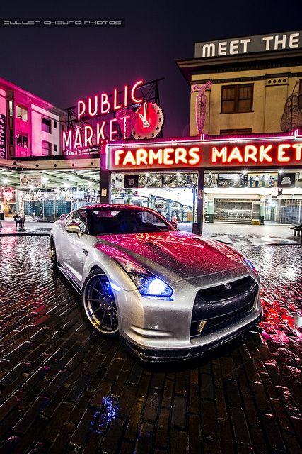 Super Silver Nissan GTR.