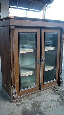 kleine-alte-antike-vitrine-kommode-schrank-buffet-aufsatz-haengeschrank-glasschra