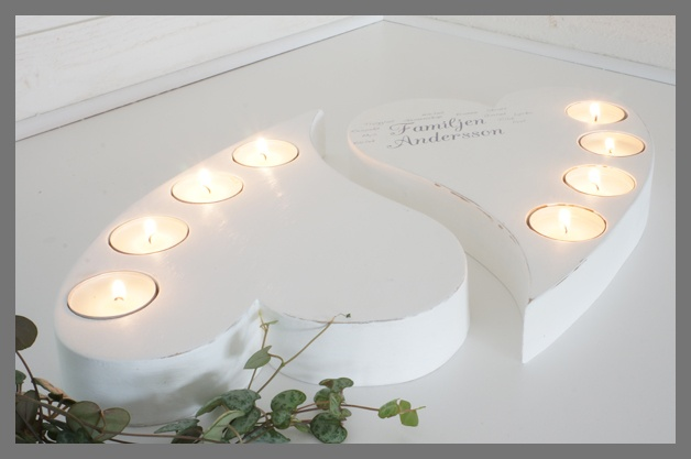 White wooden hearts with 4 tea lights. Printed or not printed.