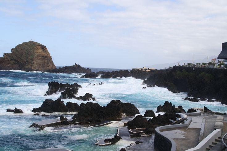 Piscinas naturales de Porto Moniz. www.visitmadeira.pt