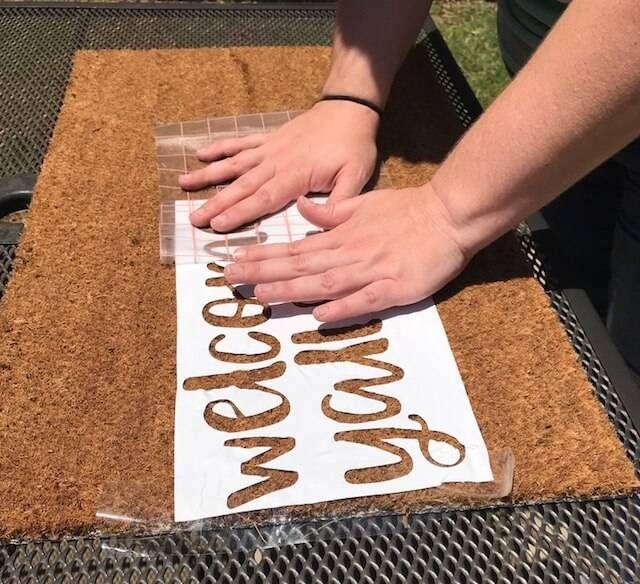 How To Stencil A Doormat Door Mat Diy Door Mat Vinyl Crafts