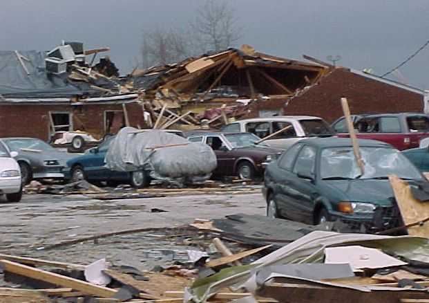 15 year anniversary of the Owensboro tornado | Weather - WLKY Home.bad weather there now 4/27/16 6: pm
