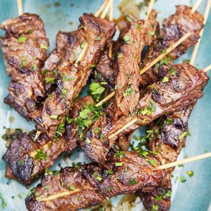 Clean Eating Recipes: Steak Skewers with Strawberry Chimichurri