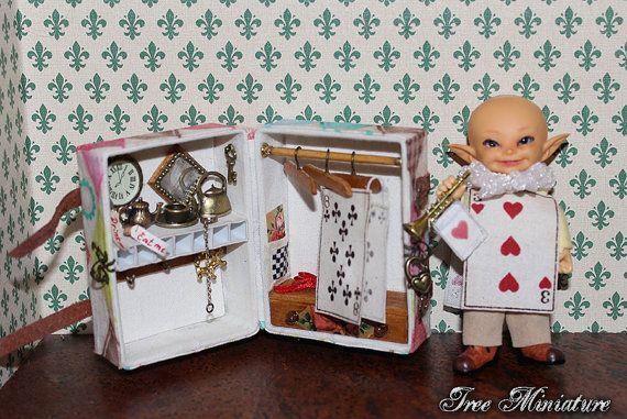 Miniature wardrobe travelling trunk with от IreeMiniature на Etsy