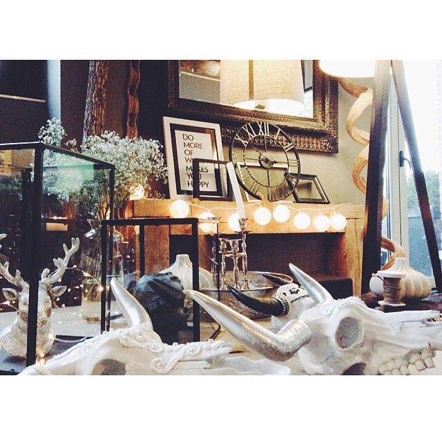 Quelle journée ❤️ un immense merci pour votre visite lors de cette première vente prive ! Quel plaisir de pouvoir vous rencontrer et discuter avec vous  en espèrent que sa vous a plu !! Merci encore  #love #smile #venteprivee #mondedeouf #happy #picsoftheday #home #deco #decoration #crane miroir #vintage #fer #verre #me girl #love #merci
