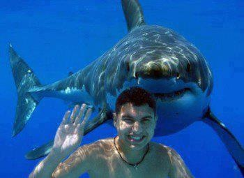 Watch out there is someone behind you!: #photobomb  www.ICanDoThings.com