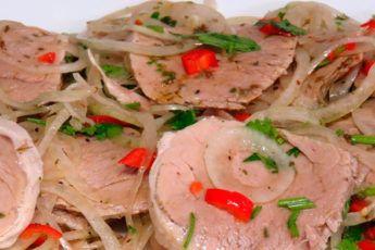 Сочная мясная закуска с маринованным луком