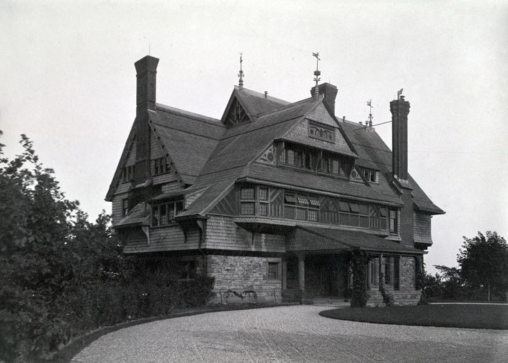 Examples of the Shingle style[edit]