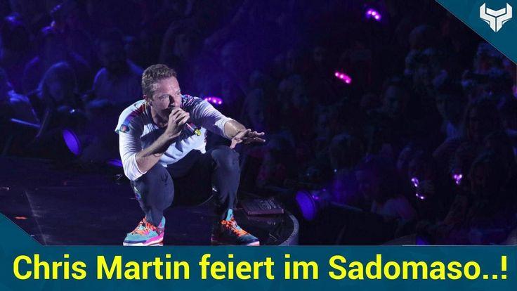 """Chris Martin 40 scheint ganz spezielle Vorlieben zu haben denn seinen Besuch in Hamburg nutzte der """"Coldplay""""-Sänger unter anderem für einen Besuch im größten Sadomaso-Club der Welt!   Source: http://ift.tt/2tWj4Go  Subscribe: http://ift.tt/2sB6Oet Martin feiert im Sadomaso-Club in Hamburg!"""