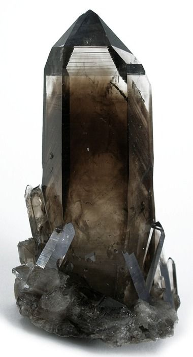 Smoky Quartz from New Mexico ✿Smoky Quartz, Smokyquartz, Quartz Crystals, Crystals And Stones, Smokey Quartz, Rocks, Minerals, Colors Gemstones, New Mexico