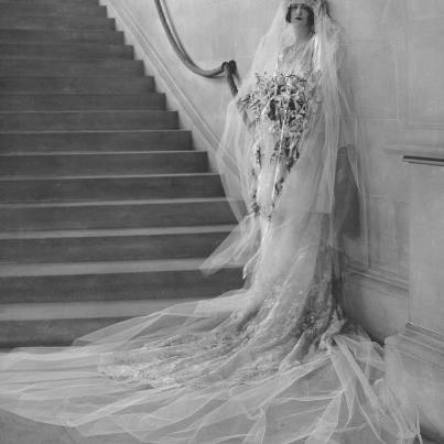 A thoroughly Downton Abbey wedding. Cornelia Vanderbilt on her wedding day at Biltmore House in 1924. #Biltmore #Downton Abbey