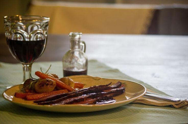 FESTIVIDADES - Pastrom con reducción de vino tinto — Marina Becher