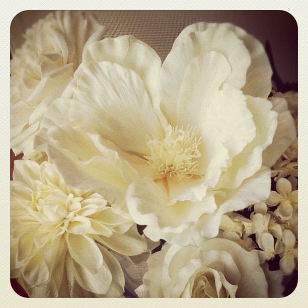 Instagram White Ivory Silkflowers Magnolia Rose Bridalflowers Bouquet Hydrangea Russwholesaleflowers Best Silk Wholesale Flowers