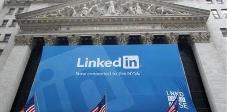 Pour trouver un emploi, plutôt Viadeo ou LinkedIn?