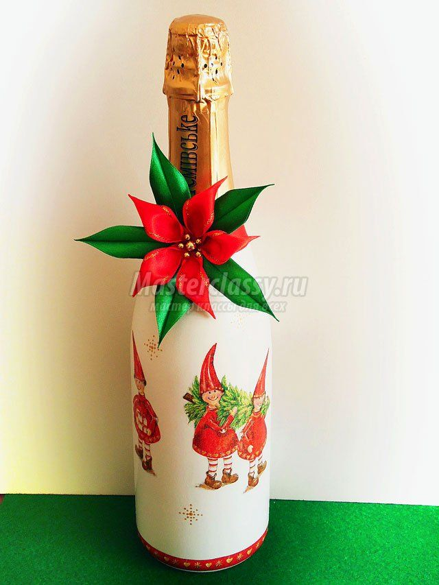 Decoupage bottle for beginners. Christmas star. Master class with step by step photos