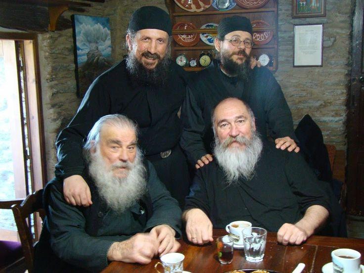 Ημέρα 9η, ακόμα να καταλάβουν ότι περαστικός ήμουν απ' το μοναστήρι..