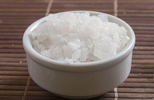 Magnesium är en oumbärlig mineral för människan och den hjälper en mängd mycket viktiga funktioner i kroppen. Det är inte alltid möjligt att diagnostisera magnesiumbrist, eftersom att det inte visar sig i blodprov. För att behålla vår hälsa är det är dock en av de viktigaste näringsämnena.