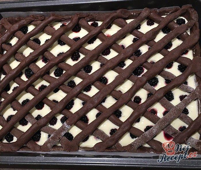 Vynikající koláček, který se rozplývá na jazyku. Přidejte do těsta skořici a při pečení vám budou hned téct sliny, když ucítíte tu vůni. Autor: Karambola