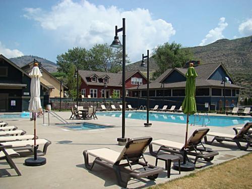 The pool at the Village Center in Veranda Beach Resort!