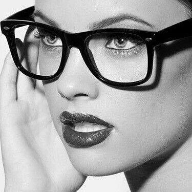 Ya estamos a miércoles como llevas la semana? #sunoptica #gafas #sunglasses #gafasdesol #occhiali #sunnies #gafas #shades #style #fashion #moda #tendencias #instafashion #instaglasses #iloveglasses #gafasmolonas #estilo #style #primavera