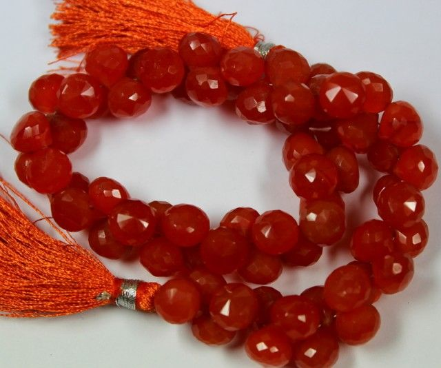 226 CTS - 1 STRAND CARNELIUM BEADS 8 X 8 MM - 9 INCHES