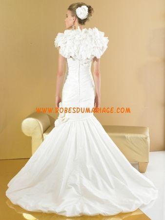 Val Stefani belle robe de mariée originale glamour sirène au drapé satin