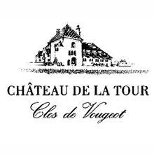 • Château de la Tour •  Le famiglie Labet e Déchelette, presenti negli annali del vino borgognone dal XV secolo, costruirono il castello nel 1890. Proprietari di 6 ettari, detengono così la più grande percentuale di vigneti dell'appéllation. Château de la Tour resta oggi l'unico domaine a raccogliere, vinificare, affinare e imbottigliare il Grand Cru all'interno del famoso Clos, come accadeva ai tempi dei Cistercensi. http://www.e-heres.com/company/chateau-de-la-tour #winexcellence…