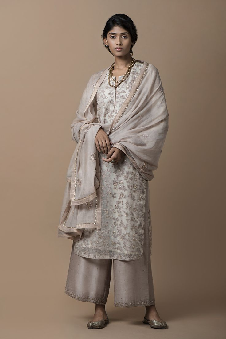 MEHRUNISSA Crafted in hues of rose and lavender, the range evokes the regal style of Mughal Empress Nur Jahan, also known as Mehr-un-Nissa.