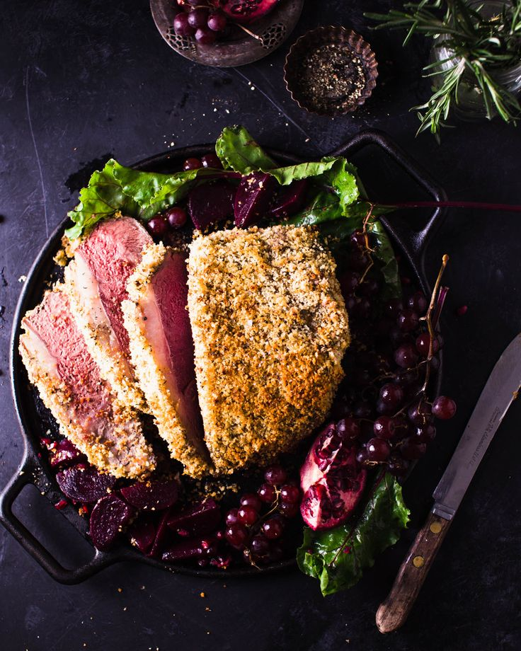 A special roast beef with deliciously garlicky-herby breadcrumb crust. It is perfect for entertaining and a breeze to pull off. The striploin roast is a tender and flavourful cut.