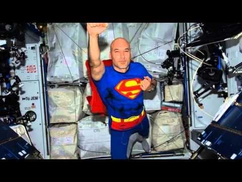 """L'astronauta Parmitano ai bambini: """"le Scie Chimiche non esitono..."""""""