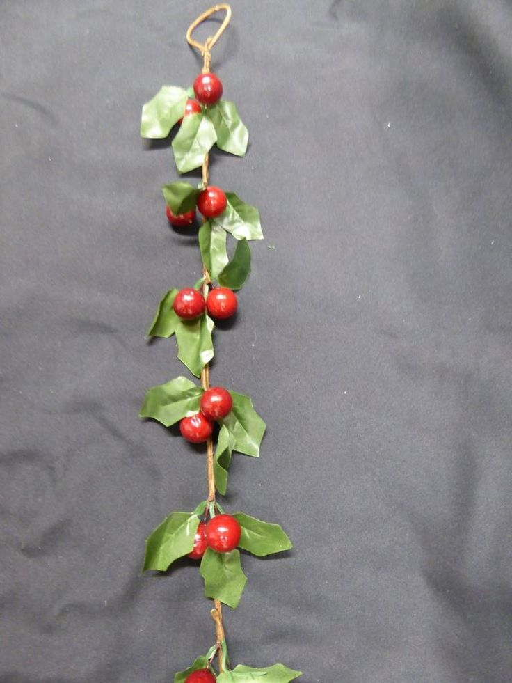 5ft 1.6m Green Holly Red Berries Artificial Garland Christmas Decoration #UKGardens